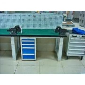 Customized Warehouse Garage Industrial Work Table With Led Tube Overhead